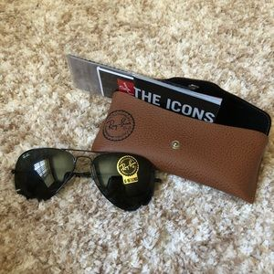 Ray Ban Black aviator sunglasses